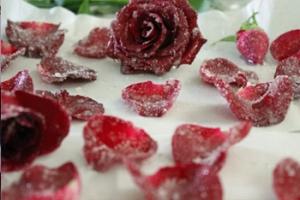 עלי ורדים מסוכרים