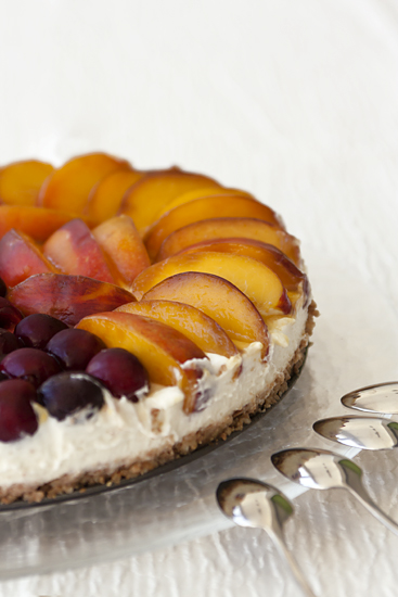 אורה קורן עוגת גבינה עם פירות טריים ללא אפייה