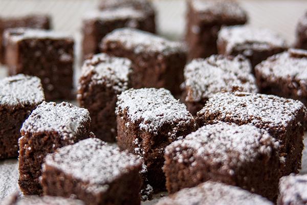 אורה קורן בראוניז - שוקולד עם שוקולד 4