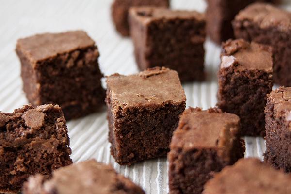 אורה קורן בראוניז - שוקולד עם שוקולד