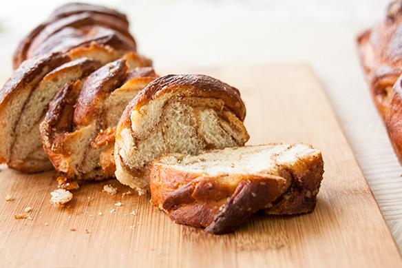 אורה-קורן-עוגת-שמרים-קלועה-5