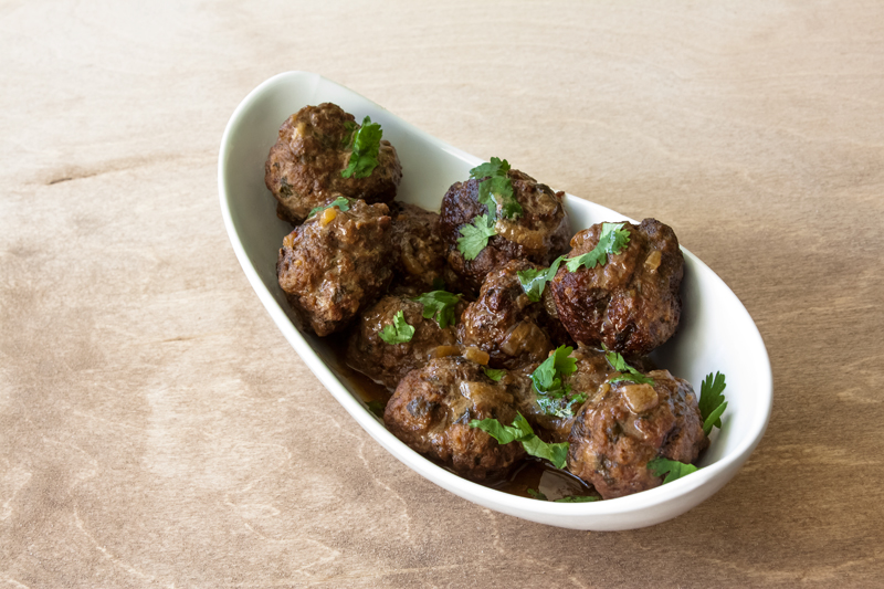 כדורי בשר ברוטב קרם קוקוס עדין אורה קורן