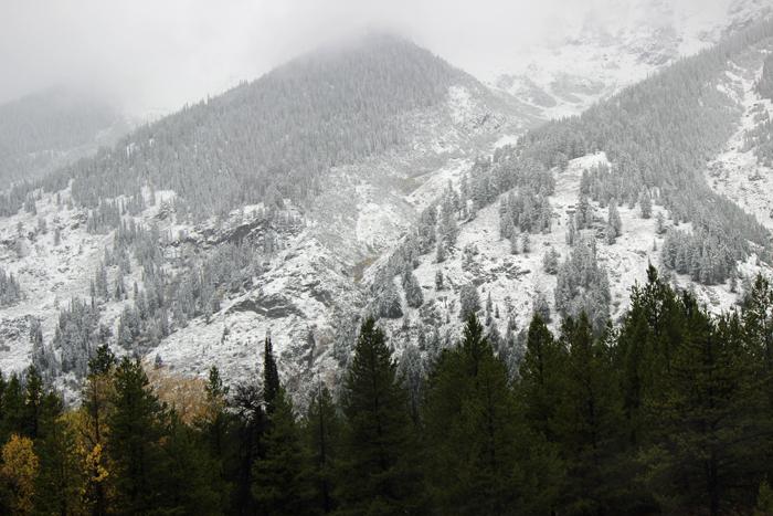 רכס הטיטון עם השלג הראשון של חורף 2016-17.